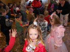 Dětský maškarní karneval 12.1.2014 KD Snopoušovy