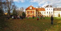 Slavnosti sv.Huberta vDolní Lukavici 2.11.2013 Klubovna DL