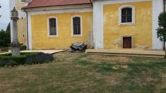 Opravy na kostelní báni pokročily