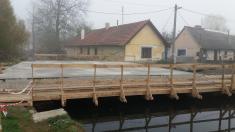 Uzavírka mostu přes náhon do mlýna