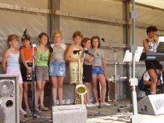 Děvčata zpívala sólově isborově